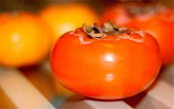 孕妇能不能吃螃蟹_吃柿子不能吃什么 正确食用方法_植物博士